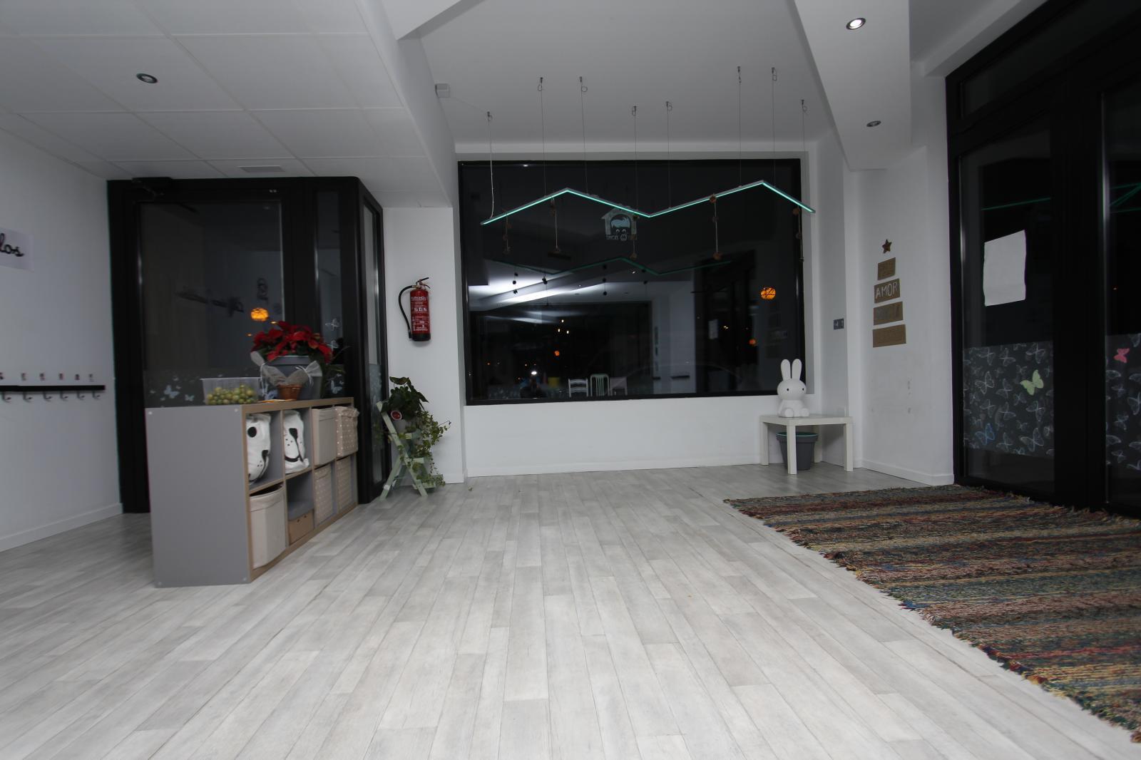 Construcciones Adrian: Techo registrable y iluminación Led