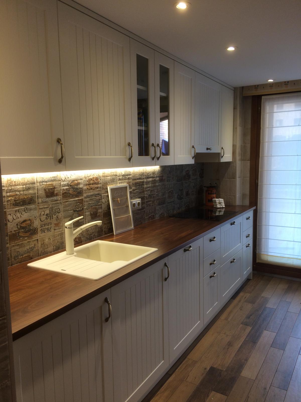 Construcciones Adrian: Vista detallada de reforma en cocina